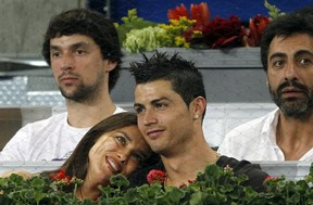 2012-05-11t213322z_483755998_gm1e85c0frg01_rtrmadp_3_tennis-men-madrid